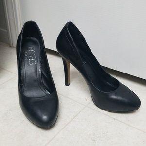 BCBG Black Leather classic pumps high heels round